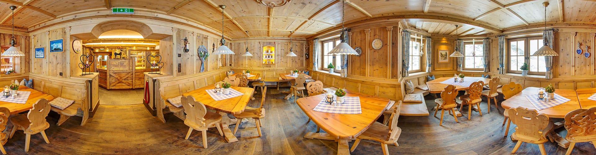 Dresdner Hütte im Staubaital/Tirol auf 2308m Seehöhe